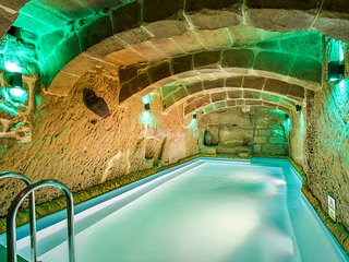 DIAGON ALLEY, exclusif historic sea view house on Gozo with heated swimming pool