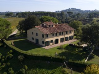 Il Cedro - 4 bedroom apt with pool in prestigious farm in the tuscan countryside