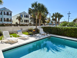ALL-INCLUSIVE RATES! '99 Bananas': Short Walk to Beach, Pets OK, Private Pool