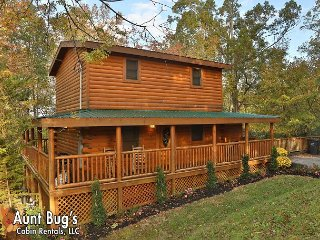 Pigeon Forge Private Indoor Swimming Pool Cabin 1 mile to Parkway/Dollywood