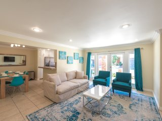 2 Bed 2 Bath Unit One House Away from the Sand with AC & Parking