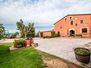 Catalunya Casas: Countryside Masia Gipot for 17 guests, only 20 min from the