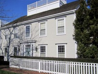 15 Woodbury Lane, Nantucket, MA