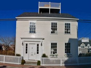 82 Orange Street, Nantucket, MA