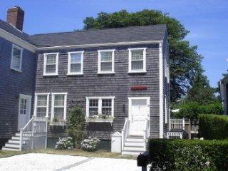 13 Spring Street, Nantucket, MA