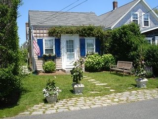 13 East Lincoln Avenue, Nantucket, MA