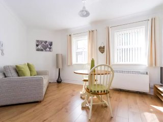 Stay In Cardiff St John's Court Canton 2Bed Apartment