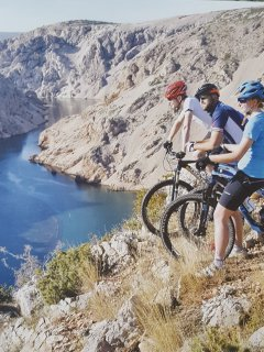 bike, cycling Croatia, river zrmanja cycling, free bikes