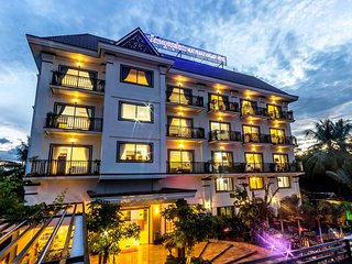 Neat Pearly Angkor Hotel Apartment is rated 4 - (Deluxe Queen 3)