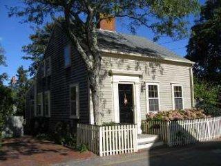 1 Beaver Street, Nantucket, MA