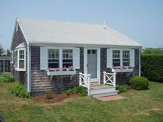 12 North Cambridge Street, Nantucket, MA