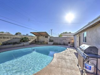Large Heated Diving Pool = Outdoor Dining Area-TV-BBQ