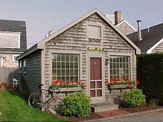 9 Park Lane, Nantucket, MA.   RIGHT BANK