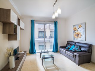 4052. LOVELY 2BR FLAT IN THE HEART OF ST JULIANS - BY SPINOLA BAY