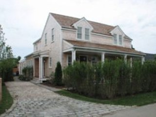 12 Highland Avenue, Nantucket, MA