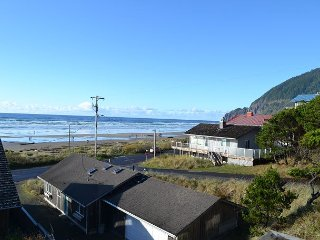 SURF & SKY~MCA 688~Great family home with INCREDIBLE OCEANVIEW.