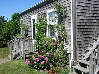 3 Rhode Island Avenue, Nantucket, MA