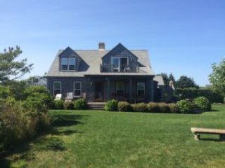 46 Nonantum Avenue - House, Nantucket, MA