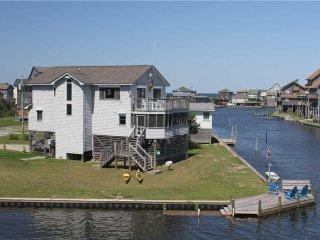 Snug Harbor  #220HC