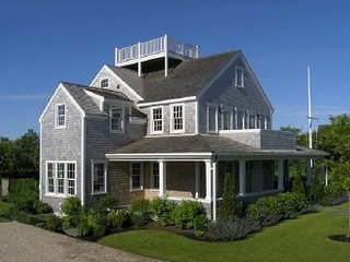 32 Pocomo Road, Nantucket, MA
