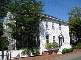 15 Pine Street, Nantucket, MA