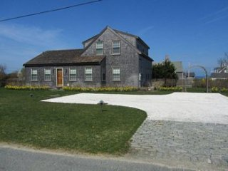 12 Washington Avenue, Nantucket, MA