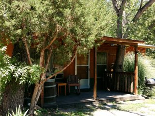 Hideout Cabin - Private Cabin Nestled in the Trees Along Bear Creek.  Free Wi-Fi