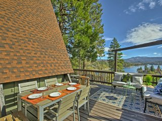 Great Home with 3 Decks & Views of Lake Arrowhead!