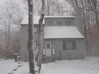 Cottage Best deal in the Poconos no fees/Taxes Many awards and 200 5 star review