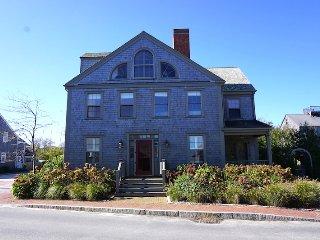 95 Washington Street, Nantucket, MA