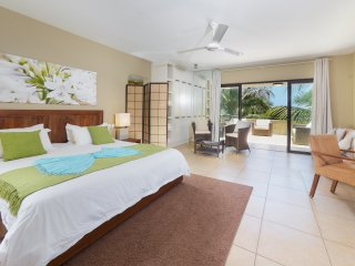 Bel Azur Beach Residence by LOV Penthouse (6 pax)