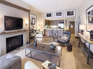 Luxurious Private Apartment, with Gondola Access and World-class Amenities