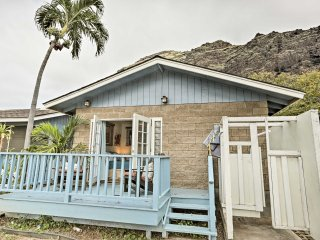 NEW! Chic Studio in Waianae- Steps from the Beach!