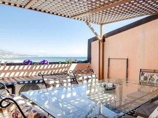 Beautiful 2 bedroom apartment with huge terrace overlooking sea