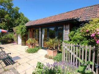 SUNNYSIDE, smart, single storey converted barn.