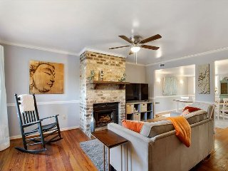 Welcoming 2BR Condo w/ Private Balcony & Backyard - 4 miles to Downtown