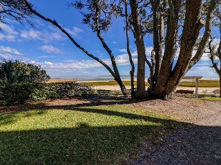 Remodeled 2BR w/ Sea Views, Sun Room – Walk to Beach, Pool, Tennis