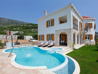 Luxury Villa Panoramic Bol with pool close to the sea in Bol on Brac