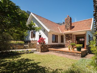 Charming Camps Bay Cottage