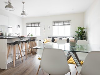 Beautiful two floor Paddington apartment