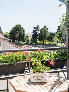 Villa Galla -Modern designed villa with 9 private rooms in old town