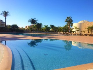 Stylish 2 Bedroom Apartment On Luxury Resort With Top Facilities, Near Carvoeiro