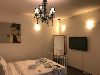 BUCHAREST CENTER VILLA - ROOM NR.6