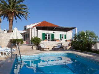 Luxury Villa Magic with pool first row by the sea in Sumartin on Brac