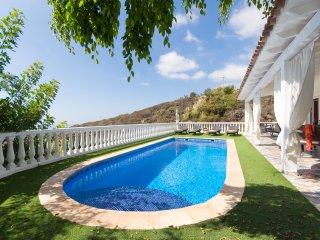 Prestigious 2 Bedroom Villa. Amazing Panoramic Views. Private Heated Pool. Adeje