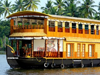 1 or 2 Bedroom houseboat in kumarakom