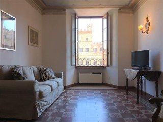 FONTE GAIA - 3bd with Piazza del Campo view