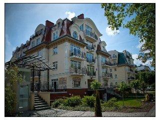 Apartment mit Schlafzimmer &Balkon&Tiefgarage an der Promenade-KW30