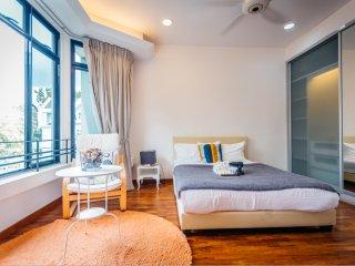 Bright & Spacious Master Room & private bathroom