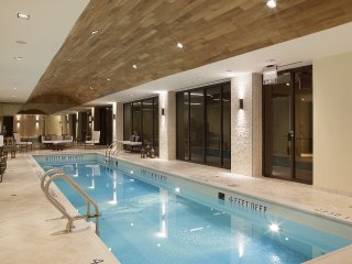 SOPHISTICATED DELUXE GUEST SUITE AT 32ND ST- POOL & GYM